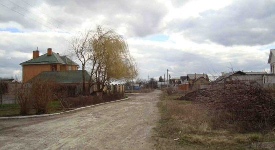 Land in the village of Obukhovka (Kirovskoye), a suburb of the Dnieper
