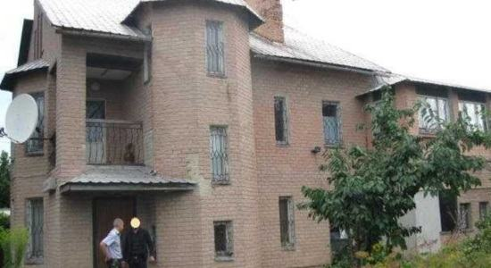 Three-storey house in with. Gorbanevka, Poltava region., Poltava district