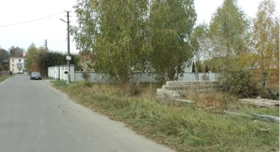 Land in the village of Vorzel, Kiev region