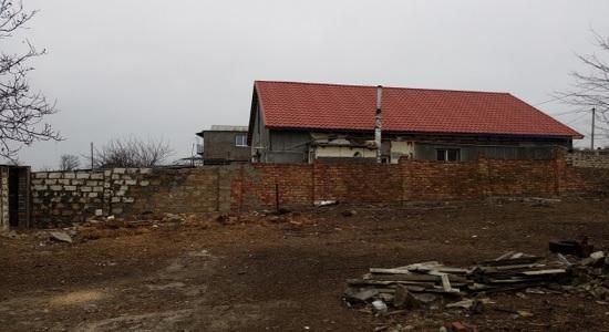 Земельна ділянка з спорудами
